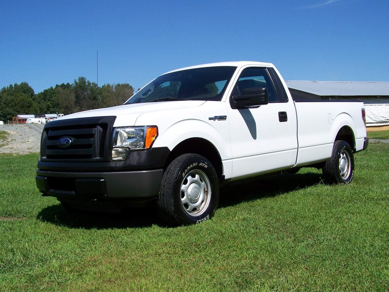 2010 ford f150 xl light duty trucks pick up trucks 4wd 1 2 ton. Black Bedroom Furniture Sets. Home Design Ideas